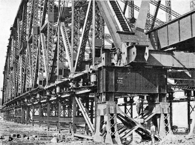 19171109newquebecbridge1024